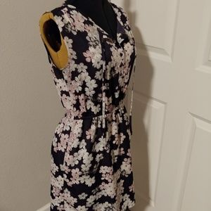 👗 Floral Day Dress with Pockets
